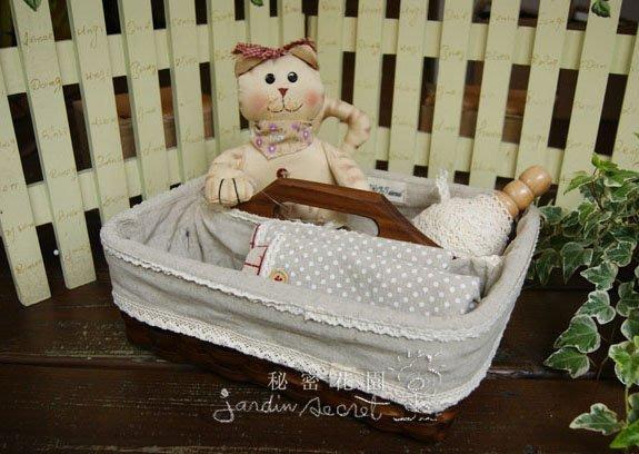 籐籃--秘密花園--日本鄉村風ZAKKA雜貨素棉麻布蕾絲滾邊木柄提籃/籐籃