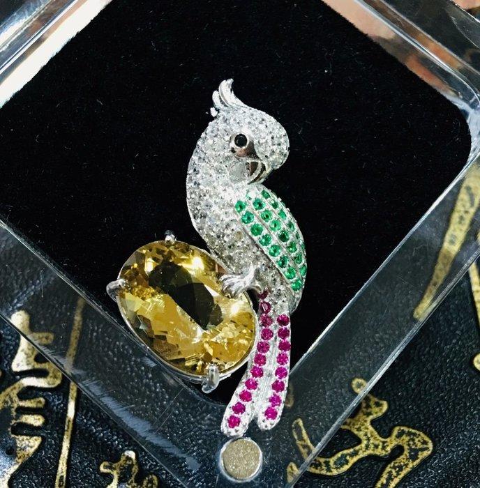 珍奇翡翠珠寶首飾-天然寶石系列-天然無燒金黃綠柱石,金色祖母綠,濃郁金黃色6.17克拉,搭配設計款銀k金墜台