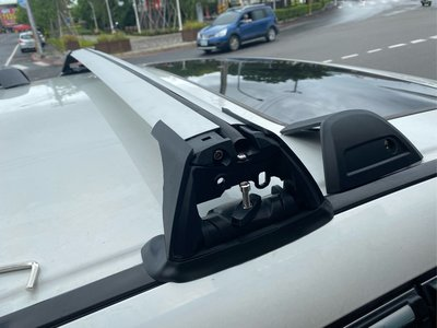 ㊣TIN汽車配件㊣馬3.馬5.馬2,馬6.cx-5CX-7.cx-3,cx-9鎖原廠車頂預留孔位,Focus通用型Subaru行李架,crv 4代 QX30,