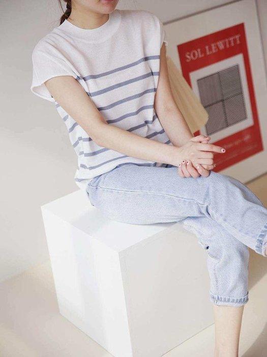 美麗喵。現貨。正韓 韓國製 好質感 春夏 薄針織條紋無袖上衣(現貨 杏)