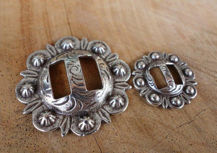 老約翰 CRAFT 直徑2.3CM 內徑8MM 高級合金 裝飾扣 飾物 飾品 古銀色 純銀電鍍