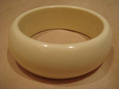 AJ衣飾  專櫃貨~時尚寬版蜜黃色手環