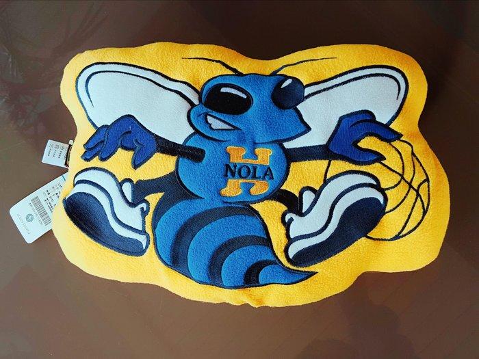 《金塊》NBA黃蜂隊 抱枕 午安枕 靠墊 枕頭 NEW ORLEANS HORNETS