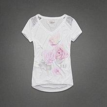 Maple麋鹿小舖 Abercrombie&Fitch * AF 白色V領肩膀蕾絲設計印花短T*( 現貨S號 )