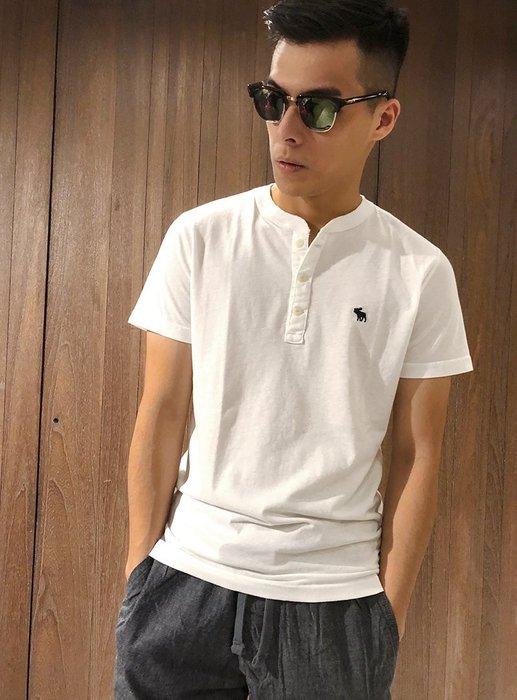 美國百分百【Abercrombie & Fitch】T恤 AF 短袖 T-shirt 亨利領 麋鹿 男 白色 I122