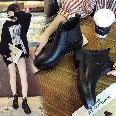 1220:) 真皮短筒馬丁靴 真皮舒適好穿 不會腳臭 35-40碼 黑色 現貨+預購1280元