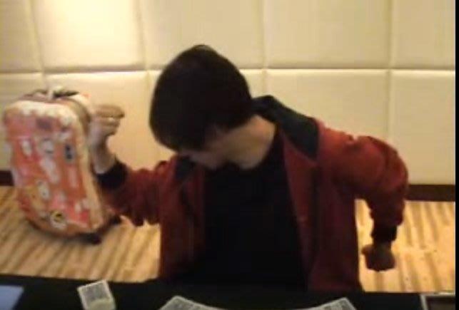 【意凡魔術小舖】劉謙隨手玩牌 撲克牌魔術 魔術道具批發專賣店