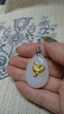 天然崑崙羊脂白玉12生肖之雞墬子墬頭