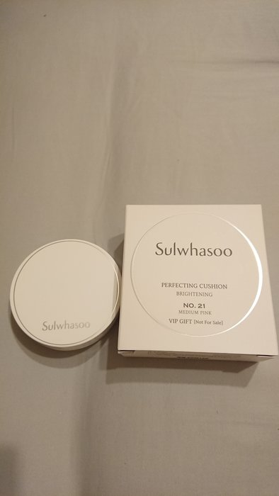 全新雪花秀 Sulwhasoo 無瑕光感氣墊粉霜5ml盒裝中文標,台灣專櫃貨    (蕊+盒+撲) 色號21
