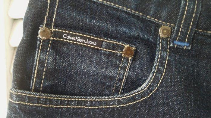 Calvin Klein 深藍牛仔褲