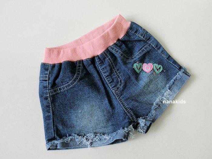 出清夏日款。女童裝。韓版小愛心造形牛仔短褲 (牛仔藍) 現貨~nanakids娜娜童櫥