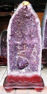 需自取 可議價 天然紫水晶洞(淨重33.6公斤),高71×29×寛36(公分),洞深13.5公分,面寛洞深,有骨幹水晶