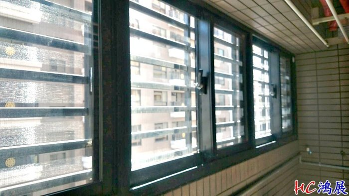HC鴻展鋁門窗-桃園杜拜美學/陽台DK-8716隔音窗/顏色B5N消光色~陽台凸窗店面門窗景觀窗落地窗隔音窗氣密窗免拆窗