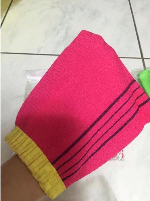 現貨*LUCY 日韓生活館*新款韓國去角質手套搓澡布/搓澡巾/搓澡手套含束帶 單只 隨機出貨