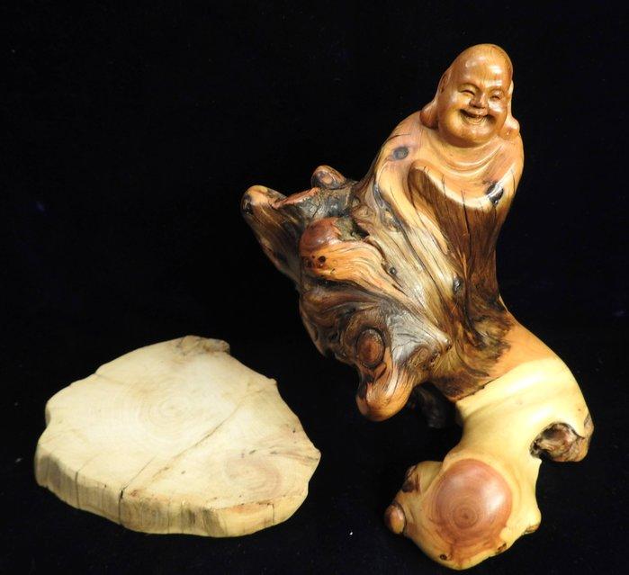 *阿威的藏寶箱‧*【木雕 崖柏瘤 巧雕彌勒佛 厓柏根雕福神 高16.5 寬11深7.5】特價 值得收藏 品相優