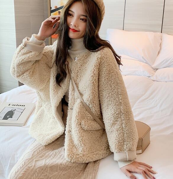 短大衣 皮毛一體羊羔毛外套 新款韓版寬松圓領保暖百搭毛絨外套 短外套 閨蜜裝—莎芭
