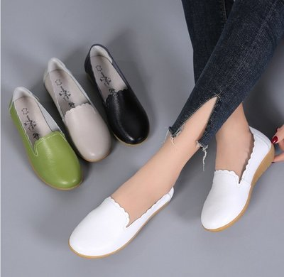 現貨促銷 春秋豆豆鞋女單鞋平底女鞋媽媽鞋一腳蹬懶人鞋孕婦鞋白色護士鞋  豆豆鞋 牛皮鞋 小白鞋 皮鞋