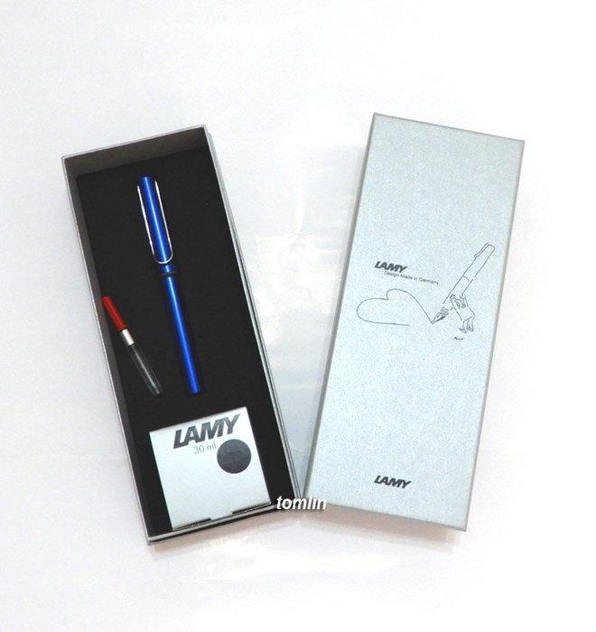 送禮自用兩相宜: 德國 LAMY 雅痞墨水禮盒組,AL-STAR 恆星鋼筆加 30ml 墨水。有三款筆桿可選。