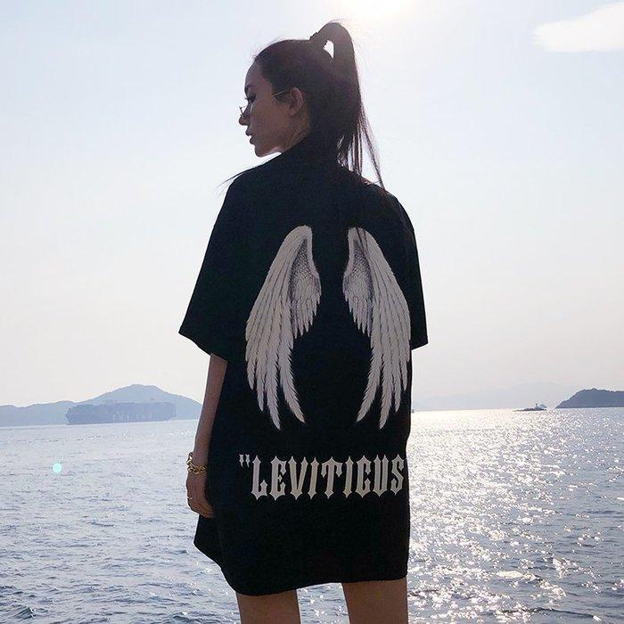 ❤Princess x Shop❤獨家訂製 聖經舊約天使大翅膀印花寬鬆情侶T恤女夏DX808235正韓國連線吊帶褲洋裝一