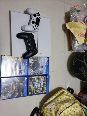 PS4 500G WITH 13GAMES加二手製