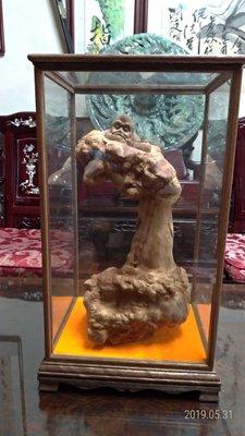 檀香瘤含玻璃櫥櫃/高55公分寬30公分深26公分重量8.7公斤/重油香味濃
