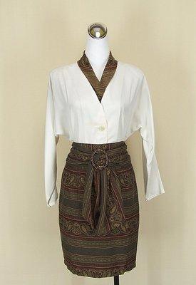 貞新二手衣 seahog 米色v領假兩件長袖棉質上衣M(11號)+seahog 駝色民俗風及膝裙M號(83505)