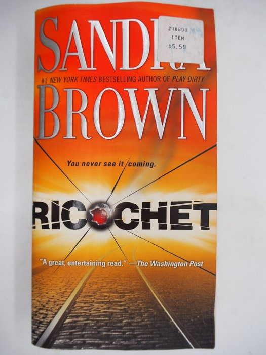 【月界二手書店】Ricochet_Sandra Brown 〖外文小說〗CJO