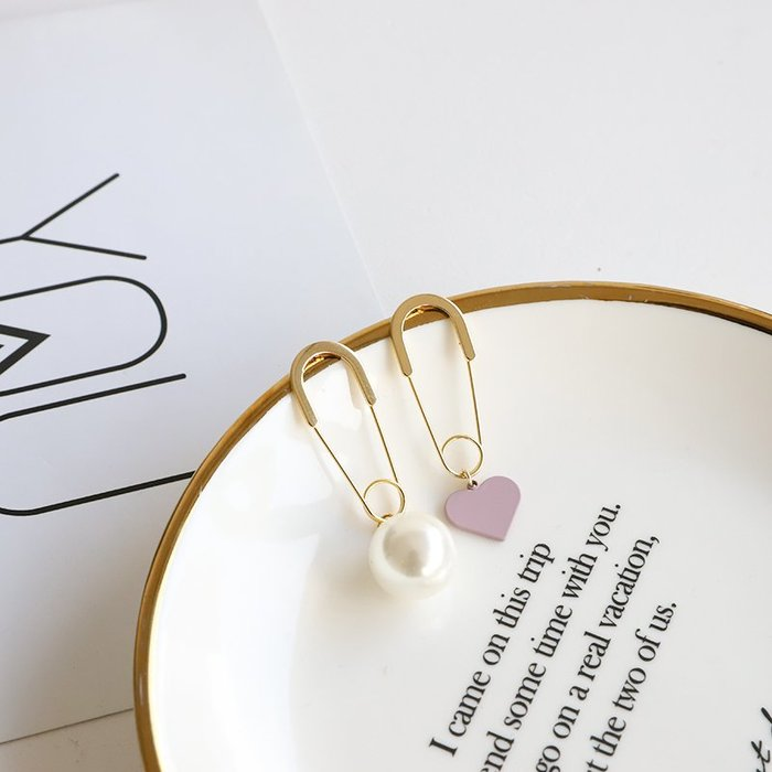 簡約不對稱珍珠愛心耳環 女別針設計感耳釘 網紅百搭個性氣質耳飾小清新甜美少女氣質瘦臉款百搭耳飾