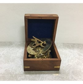 【友客里】((8日晷))- 古代時鐘-日圭-日臬-附盒子-日規-北半球用 直徑8cm