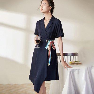 ♈尹愛服飾♈高端3009105時髦優雅氣質翻領拼接絲巾中款西裝式連衣裙