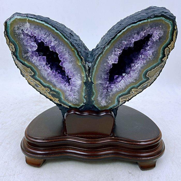 H1231 稀有商品烏拉圭蝴蝶晶洞、兔子耳朵晶洞 3.7kg,高20cm,長21cm,寬 16cm,洞深4cm
