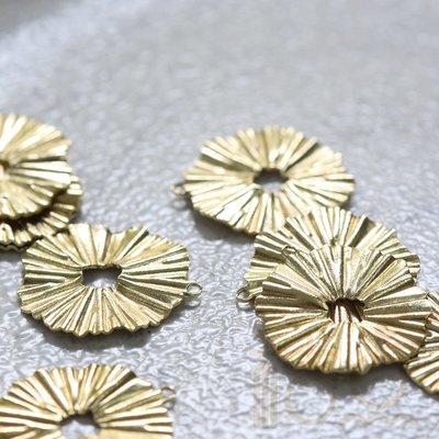 橙子的店 DIY飾品黃銅配件19.5*18mm幾何圖形圓片 折紋 設計感 簡約(4095C)