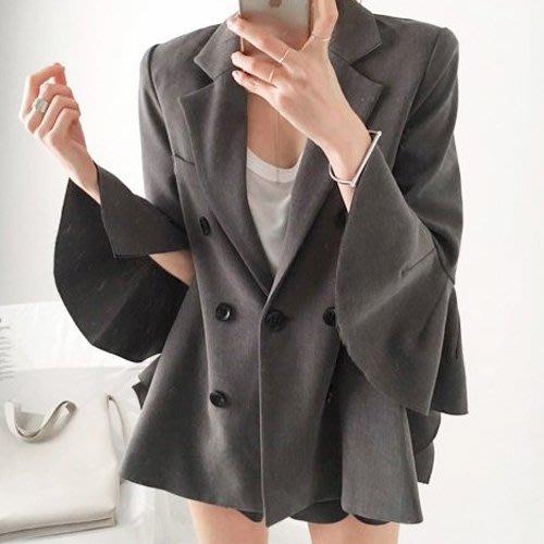 喇叭袖西裝外套 韓系 雙排釦喇叭西裝小外套 艾爾莎 【TAE7951】