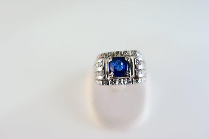 [吉宏精品交流中心]1.02克拉 錫蘭 天然藍寶石 天然鑽石 豪華 造型 戒指(附證書)