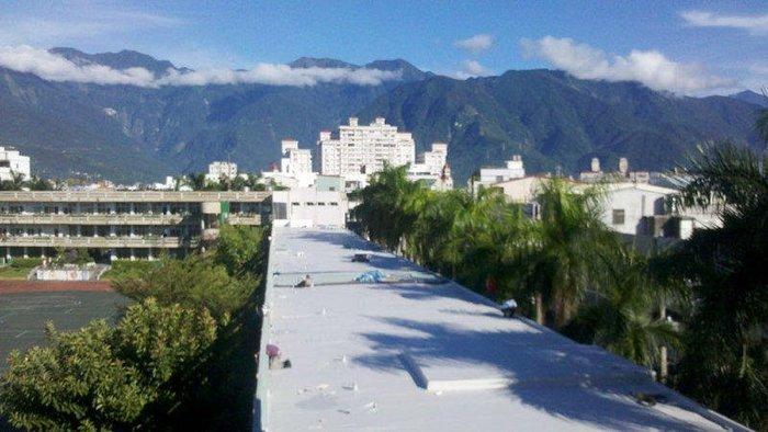 屋頂雨衣-PVC雙色夾網1.5mm 1.83M*20M屋面防水材料 - 不透水布.防水布.防潮布.防漏