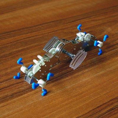 好運來Kikkerland 奇怪有趣發條玩具 LE PINCH 1529 生日禮物KK