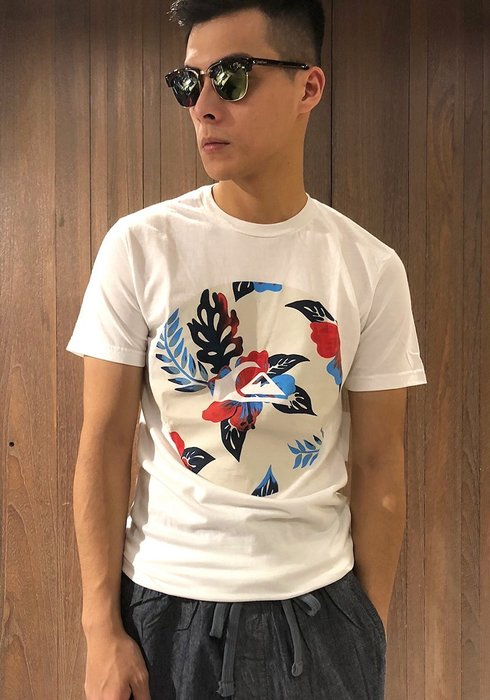 美國百分百【Quiksilver】閃銀 T恤 T-shirt 短袖 衝浪 潮流 logo 扶桑花 白色 S號 G676