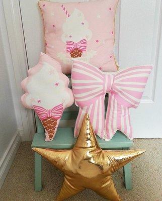 Sis 歐美 蝴蝶結 冰淇淋 抱枕 兒童房 嬰兒防 安撫枕 滿月禮 時尚 家居飾品