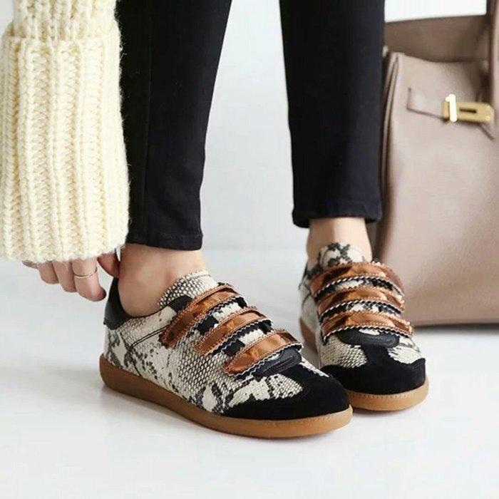 韓國魔術貼蛇皮紋休閒鞋📍(偏小版型)📍