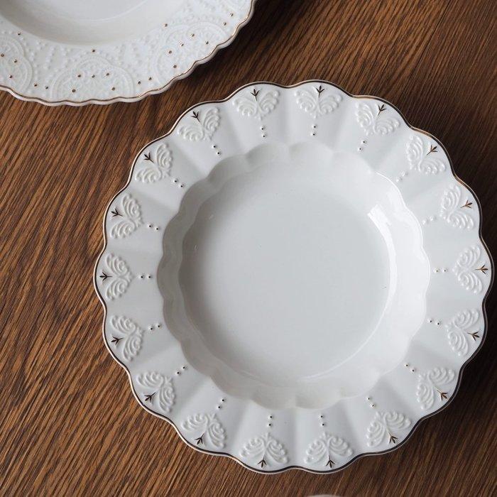 [現貨] 浮雕迪雅娜8.5湯盤 北歐風 骨瓷餐盤 餐盤 牛排盤骨盤 餐具 盤子 歐式簡約盤 骨瓷盤 蛋糕盤 餐桌布置