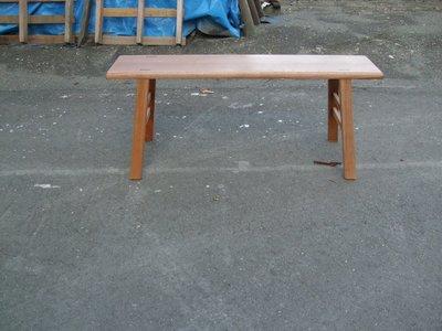 D026 {崙頂傳統原木家具行}~傳統柳安木板凳1呎寬  多張有優惠價 免運費