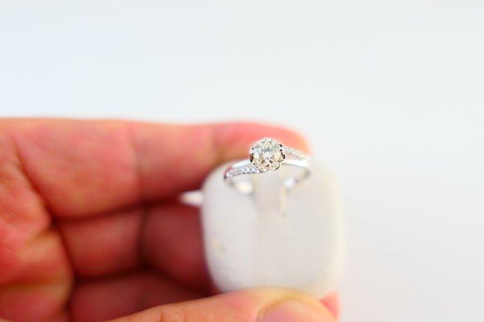 [吉宏精品交流中心]30分 天然鑽石 八心八箭 白K金 造型 戒指(SOPHIA)