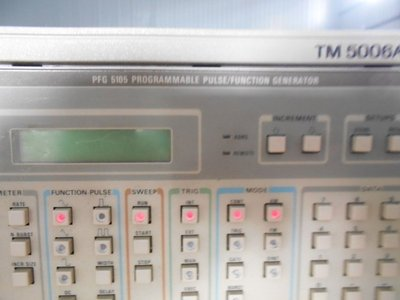 Tektronix PFG 5105 Pulse Function Generator 函數產生器