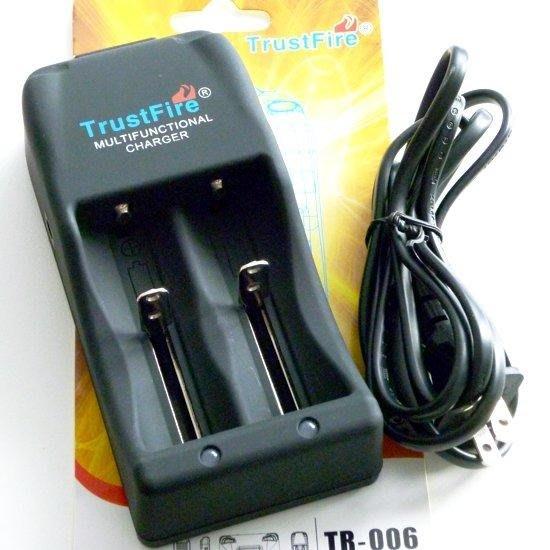 TrustFire TR-006雙充高速充電器3.0v 4.2v智慧雙電壓切換 可充電鋰電池26650 18650...