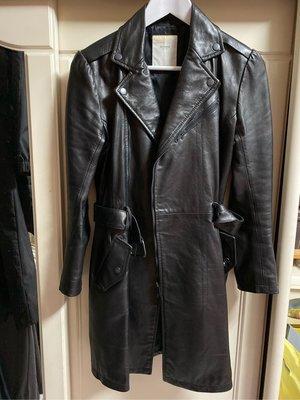 《凡妮莎的衣櫥》salad 專櫃 pleased 黑色廠長版皮衣