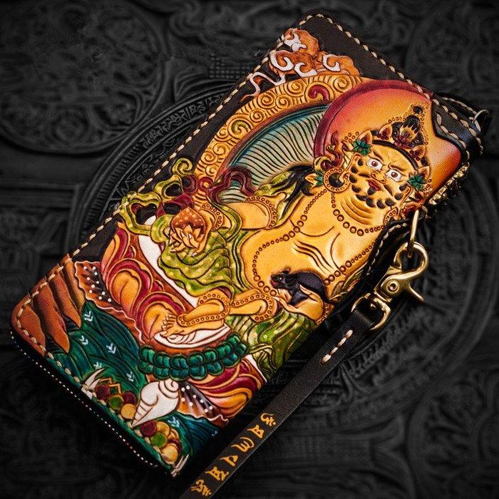 ~皮皮創~原創設計手作包。純手工雕刻黃財神真皮錢包 大容量多卡位 手工縫製 手工上色 植鞣牛皮雕刻長皮夾 重工財布