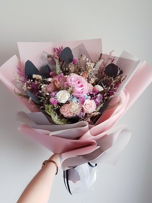 《Roof Garden Workshop》【預購】粉色玫瑰花園50cm大型不凋花束/生日/情人節/告白/紀念日/求婚