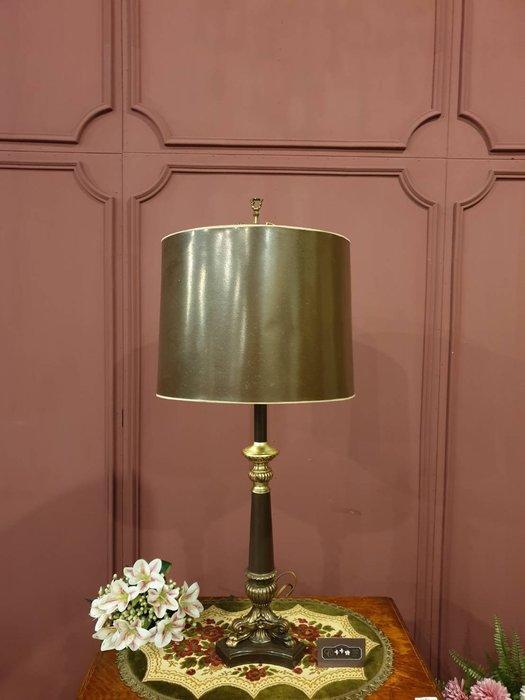【卡卡頌 歐洲跳蚤市場/歐洲古董】法國老件  大型  銅雕加木  桌燈  檯燈  古董燈 la0245