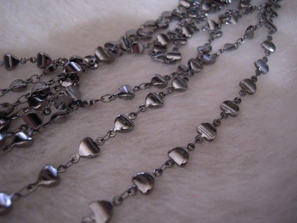 ※布箱子※ 串珠材料手作配件~日本進口黑金立體心型鍊子(B502)/鏈子
