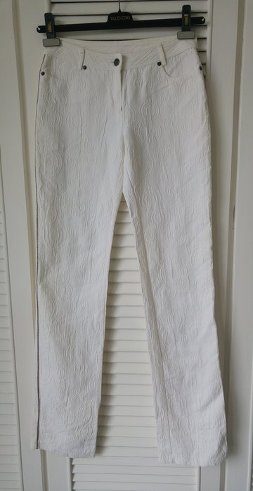 GOLD PFEIL 白色彈性浮雕布長褲 原價兩萬多
